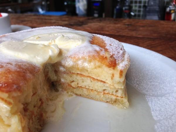 断面:クラシックバターミルクパンケーキ