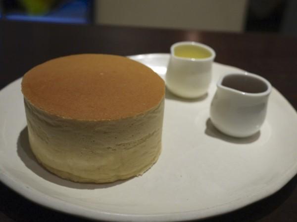 横浜SONJINのパンケーキ
