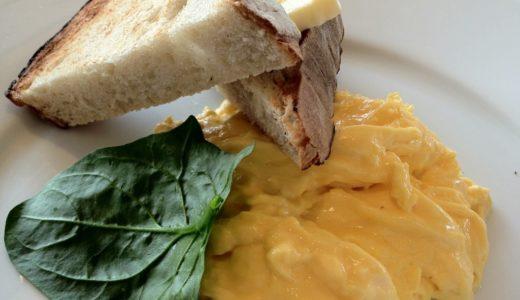 お台場ホテル日航東京がbills朝食(リコッタパンケーキ、スクランブルエッグ)付きの宿泊プランを期間限定発売