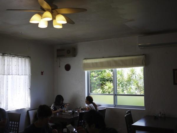 沖縄ヤッケブースのリビング