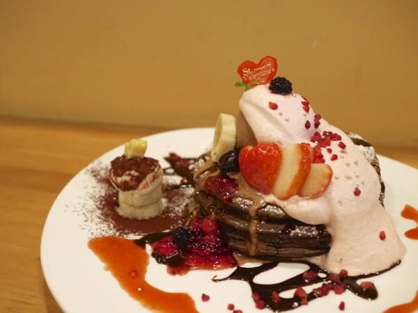チョコ バナナ ストロベリーパンケーキ / VoiVoi