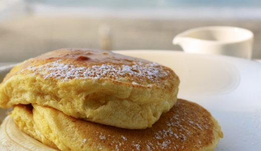 bills七里ヶ浜のテラス席で海を眺めながらパンケーキをいただく