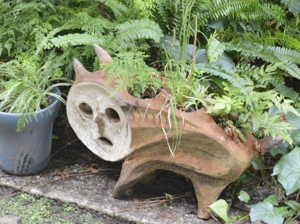 岡本太郎・犬の植木鉢