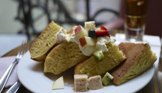 表参道モントークのパンケーキ:UNIQLOコレクションの一環で特別カラーで提供
