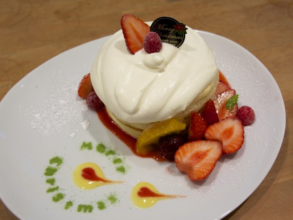 VoiVoiジャージークリームと苺のクリスマスパンケーキ